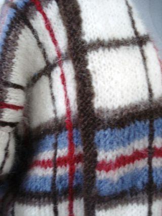 Feb 6 20110 blog 003