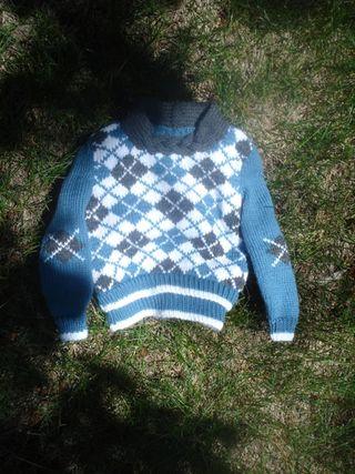 Tiny sweaters 031